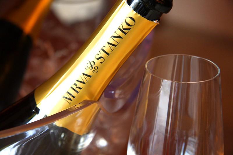 Sekt vinárstva Mrva & Stanko prichádza s medailou z francúzskej výstavy šumivých vín