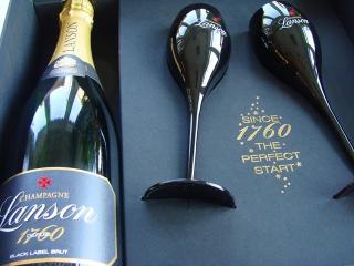LANSON Champagne Black Label box + 2 x kalich ( pohár ), obj. 0,75 L, Alk. 12 % obj.