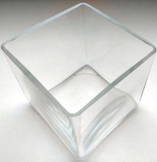 Dekoračná miska sklenená hranatá štvorcová 12,5 x 12,5 cm