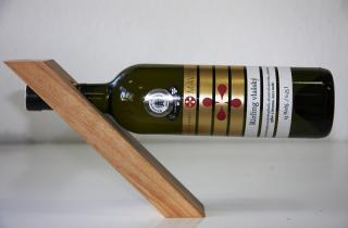 Stojan na víno drevený na 1 fľašu