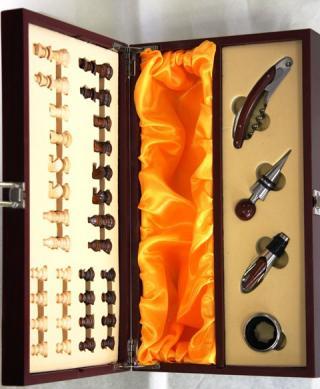 VYPREDANÉ - Krabica Obal Kazeta 1 fľaša víno drevená šach someliér sada 4 ks