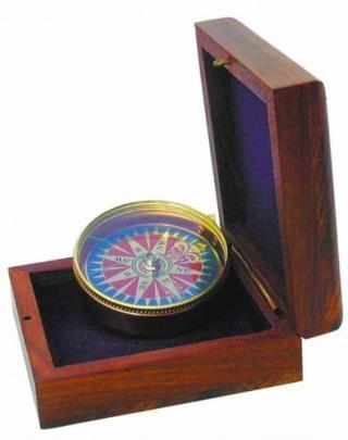 KOMPAS dekoračný darček funkčný, drevená kabica